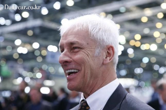 Volkswagen CEO Matthias Mueller 출처=Investing.com