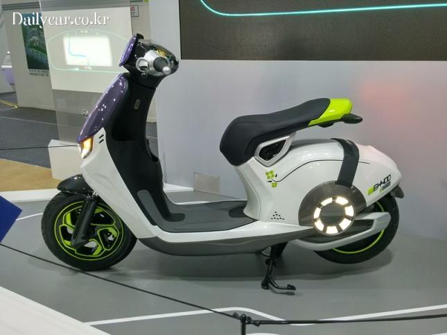 대림차 콘셉트 전기 오토바이 EH400