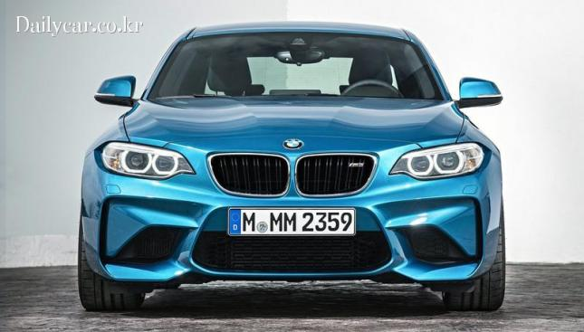 BMW M2 (전형적인 BMW의 전면부 인상)