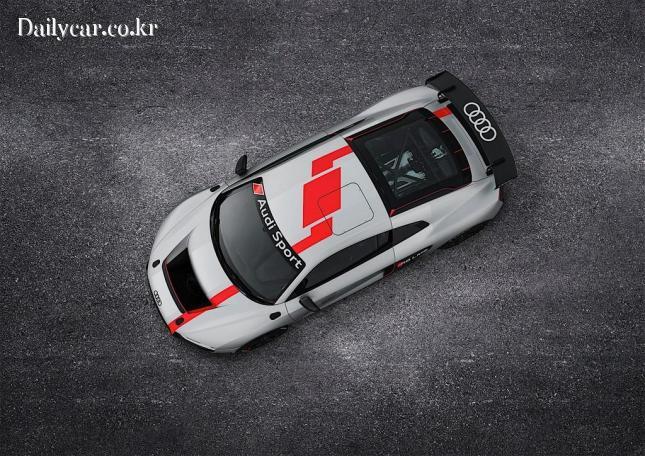아우디, R8 LMS GT4