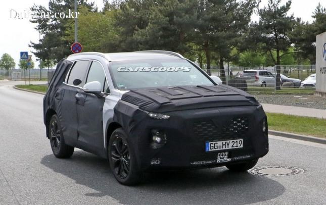 현대차 신형 싼타페 시험주행차(출처:Carscoops)