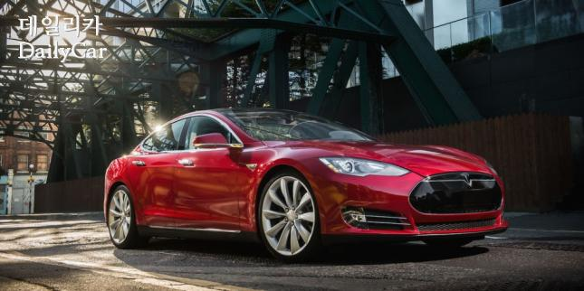 Tesla Model S 100D 출처=Road and Track