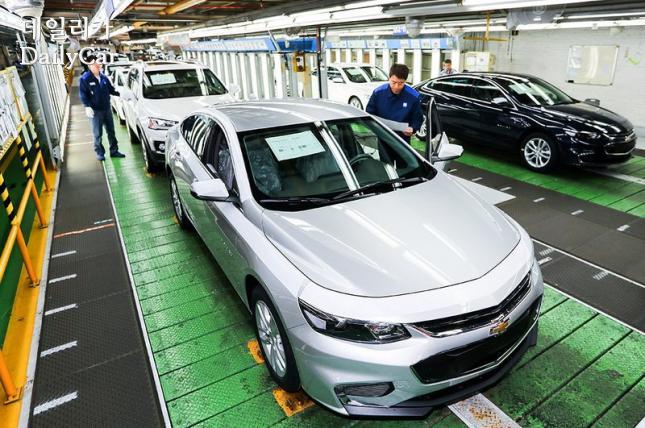 한국지엠 부평2공장 말리부 생산라인