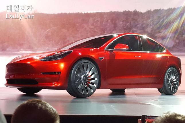 테슬라 모델 3 =auto express