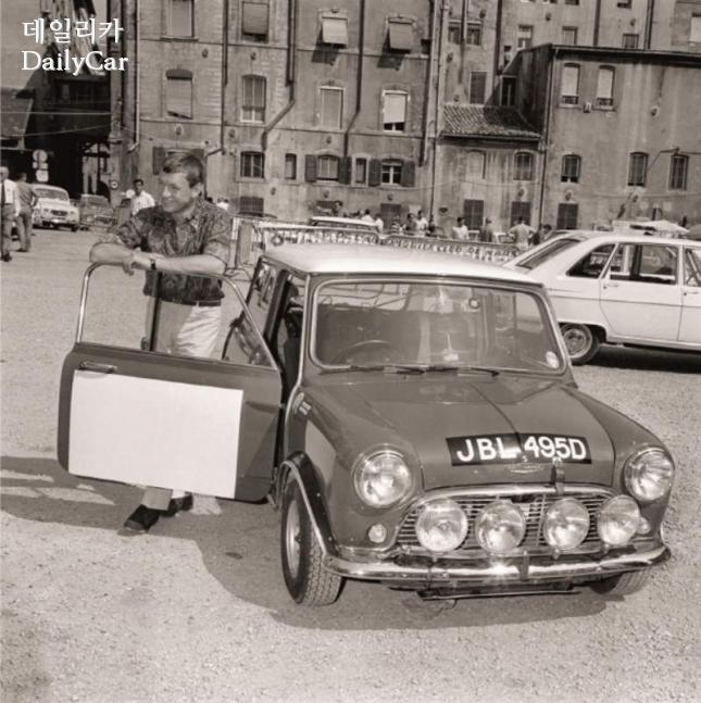 MINI 1966년 Mini 알파인 랠리 참가