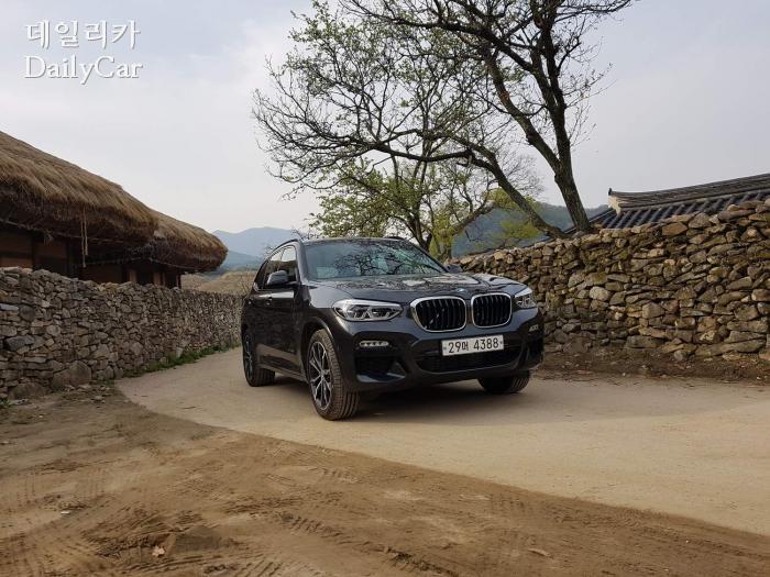 BMW X3 xDrive 30d M 스포츠 패키지 (아산 외암리 민속마을)