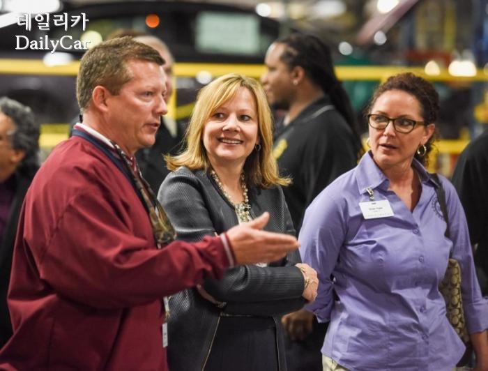 캔자스 공장을 방문한 메리 바라 GM 회장