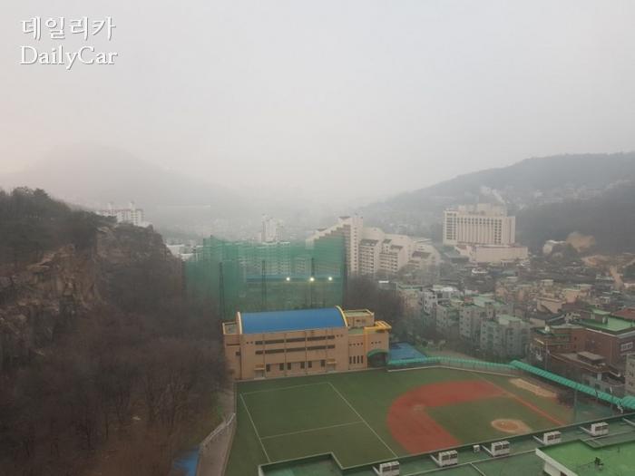 미세먼지 (서울 홍은동 백련산)