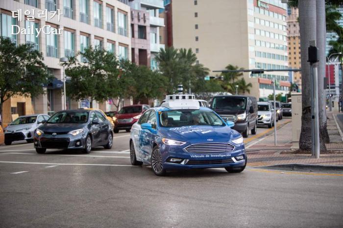 포드, 자율주행차 개발 전략
