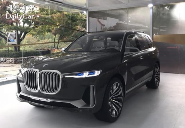 스토리 오브 럭셔리 에서 공개된 BMW X7 콘셉트 (제공: BMW 도이치모터스 형진태 부장)