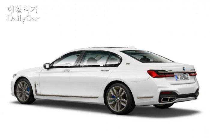 BMW, 신형 7시리즈 이미지 유출 (출처 BMW BLOG)