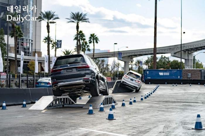 BMW 2019 CES X7 오프로드 체험