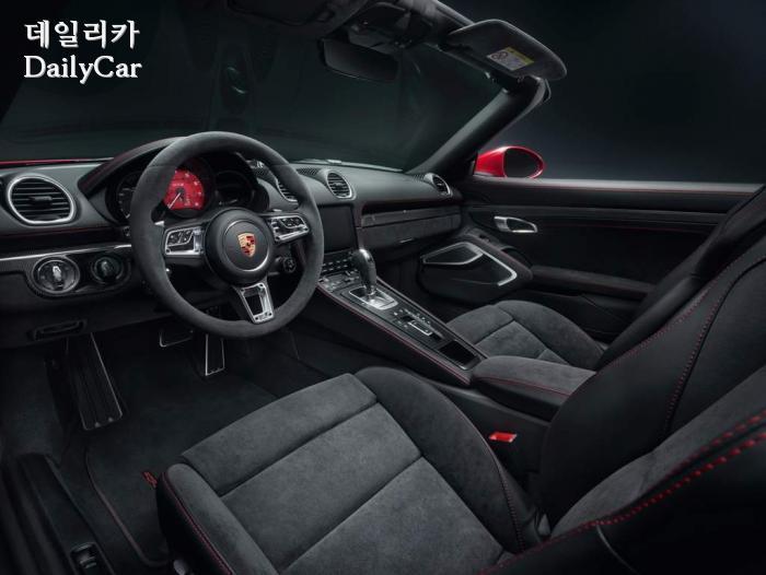 포르쉐, 신형 718 GTS
