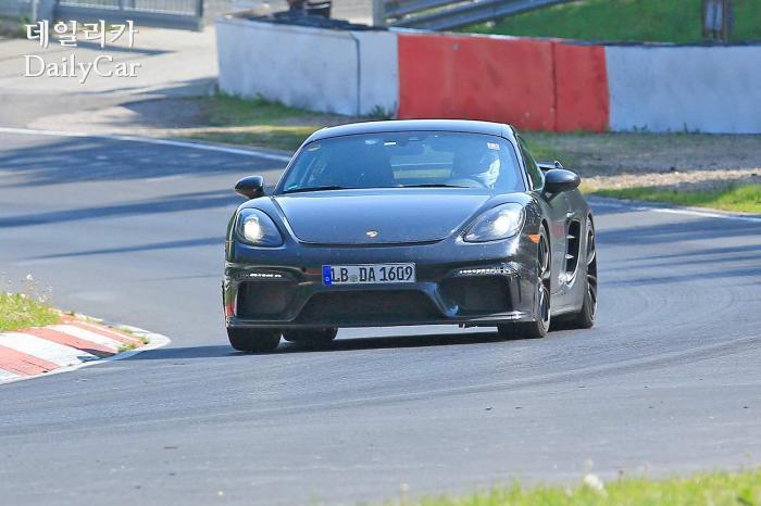포르쉐, 718 카이맨 GT4 스파이샷