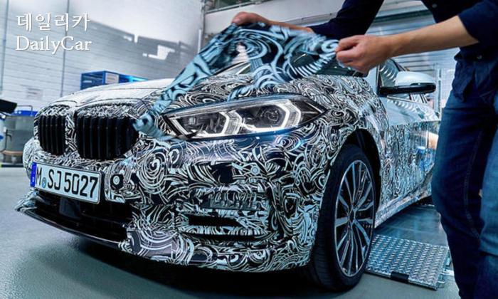 BMW 1시리즈 티저 이미지 (출처 BMW)