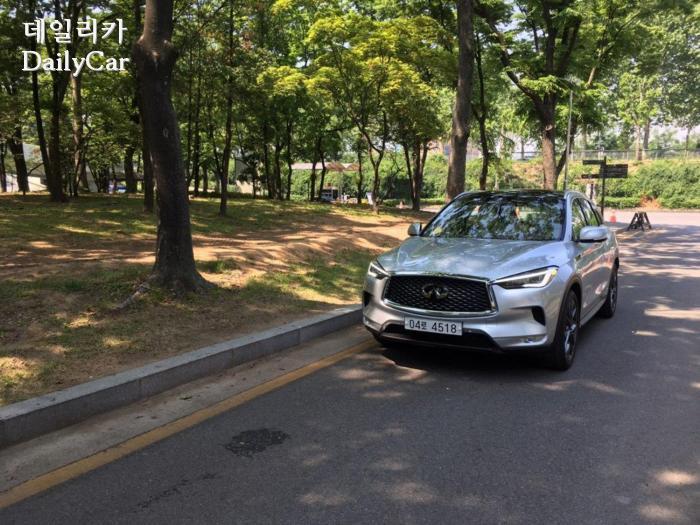 인피니티 QX 50 AWD