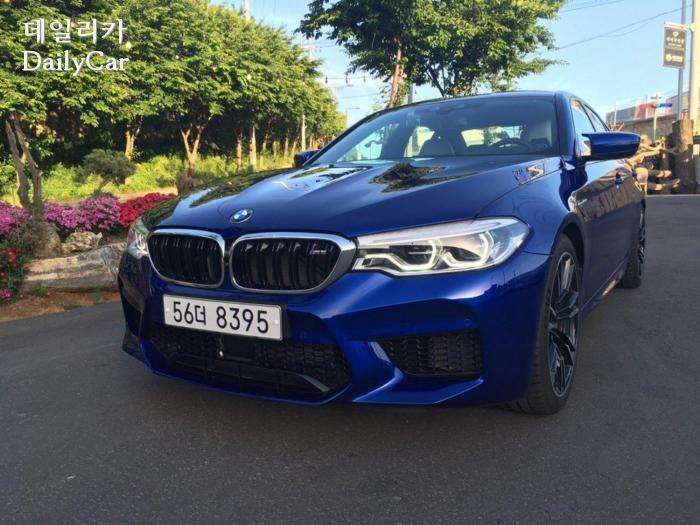 BMW, M5