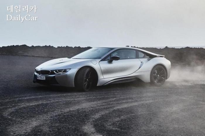 BMW, 신형 i8 쿠페