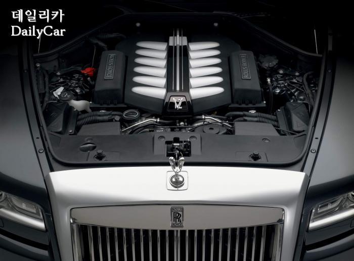 롤스로이스, V12 엔진