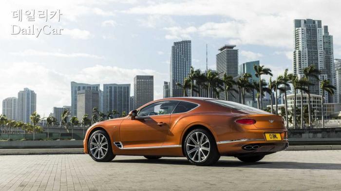 벤틀리, 컨티넨탈 GT V8 (출처 벤틀리)
