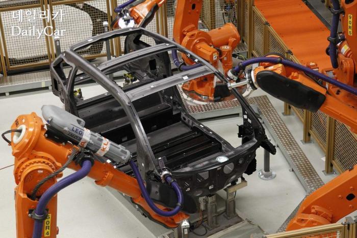 BMW i3 CFRP 차체(라이프치히 공장)
