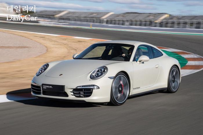 991: Carrera S ″50 Jahre 911″