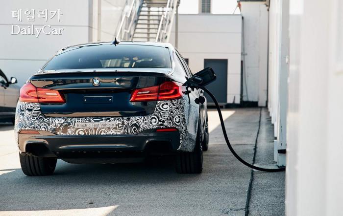 BMW, 5세대 전기 파워트레인 테스트카 (출처 BMW)
