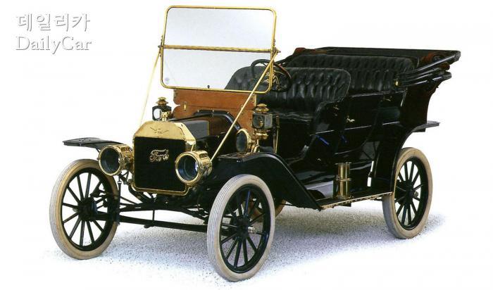 1908년에 만들어진 포드 모델 T