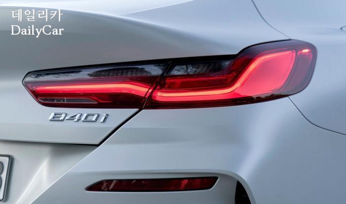 2020년형 BMW 8시리즈의 테일 램프