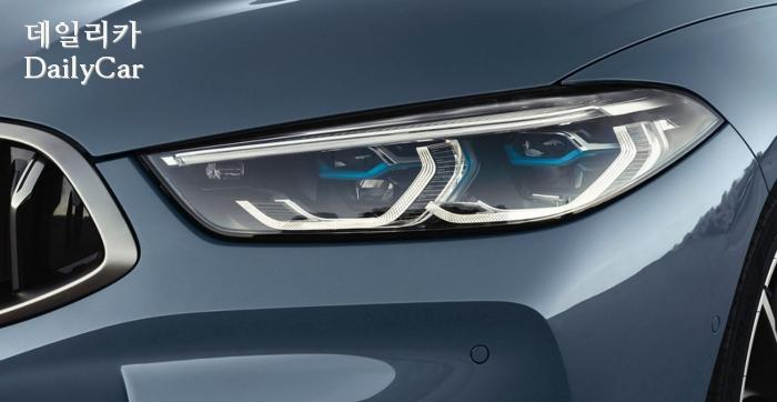 2020년형 BMW 8시리즈의 헤드 램프