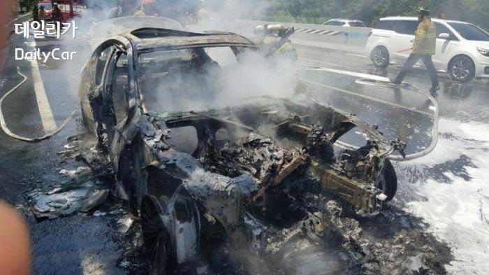 화재로 불탄 BMW 520d