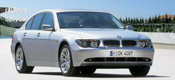 급격한 변화로 논란이 됐던 2002년형 BMW 7 시리즈(E65)