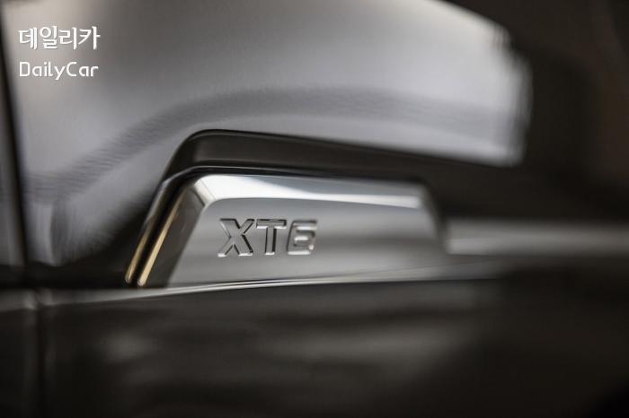캐딜락 XT6