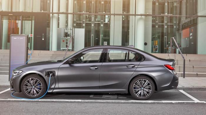 BMW, 330e PHEV