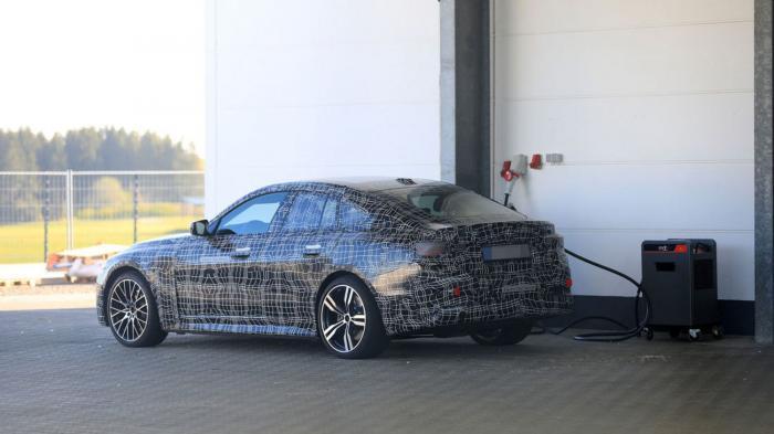 BMW i4 스파이샷 (출처 AMS)