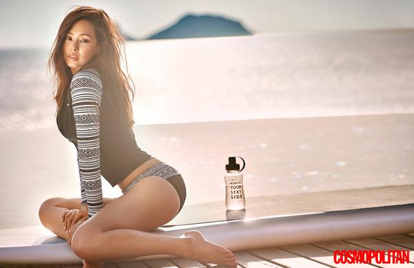 0e0f6f527df 최근 온스타일(On Style) 프로그램 '겟잇뷰티 2016'에서 뛰어난 뷰티 센스를 뽐내며 일명 '뷰티 워너비'로 등극한 배우  이하늬. 그녀가 오늘(23일) 공개된 매거진 ' ...