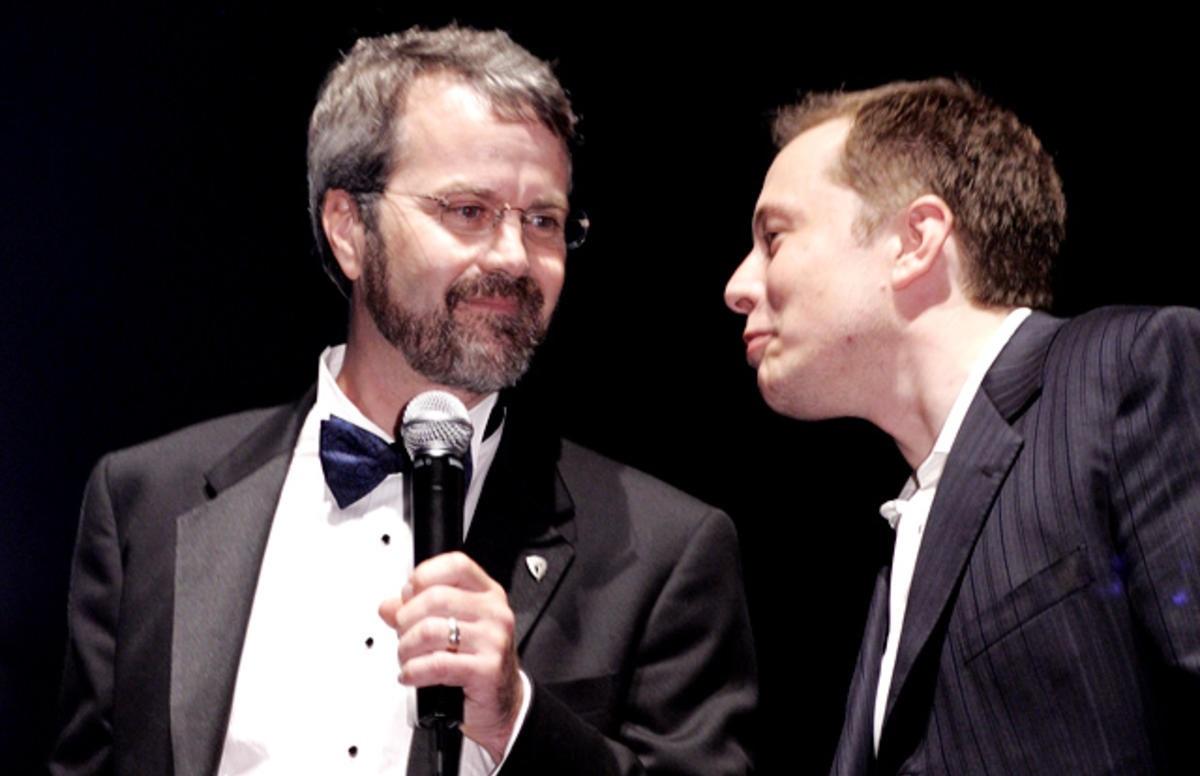 마틴 에버하드와 일론 머스크 (사진 출처 : 일렉트렉)