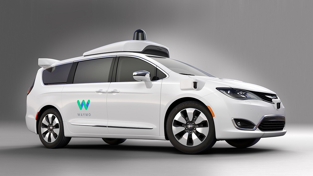 웨이모 자율 주행 기술을 탑재한 퍼시피카 미니밴