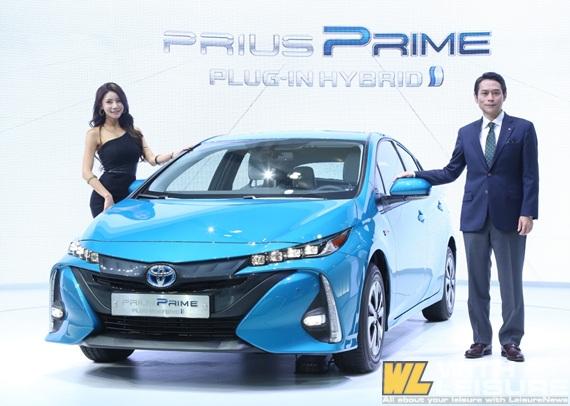 토요타 Prius Prime (2).jpg