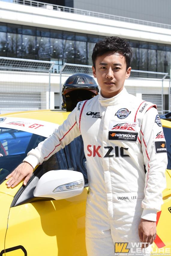 슈퍼레이스 챔피언십 GT2 원레이싱 이원일 선수.jpg