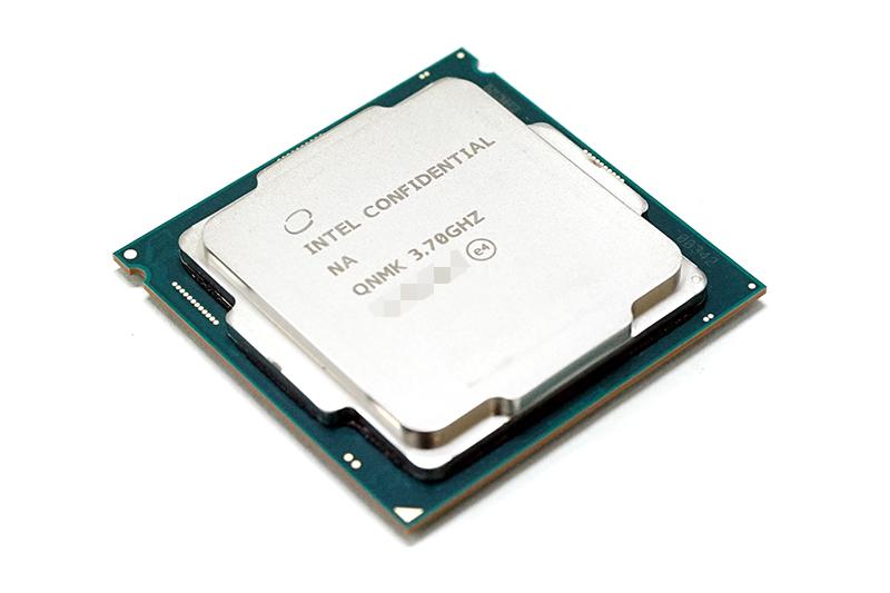 8세대 인텔 코어 i7 8700K 프로세서.