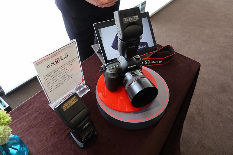 인공지능을 적용한 캐논 전용 외장 플래시, 스피드라이트 470EX-AI.