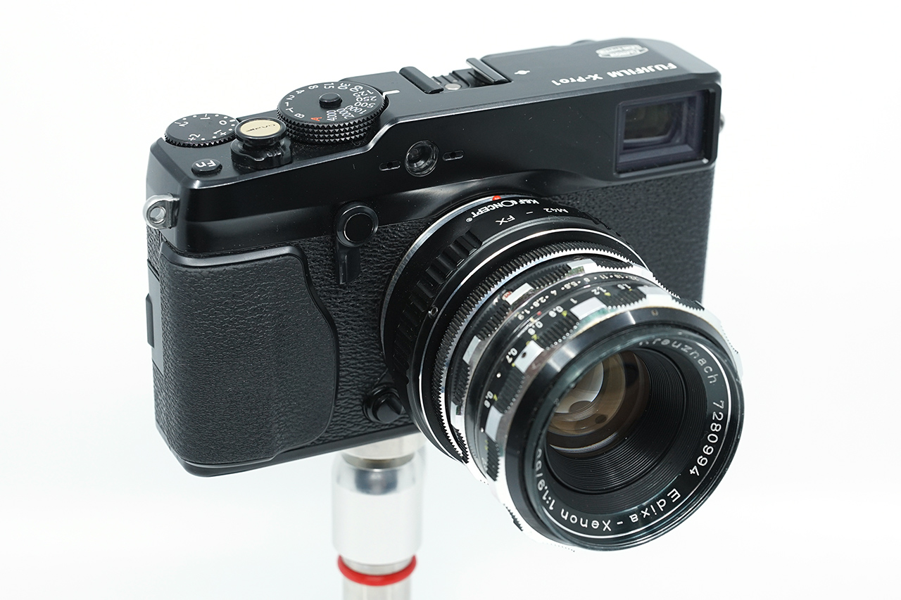 후지필름 X-Pro1에 초점거리 50mm 사양의 수동 렌즈를 장착했다. 모두 중고로 구매한 것이다.