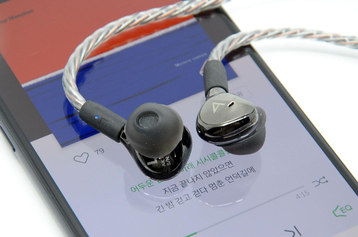V50S 씽큐에 연결해 청음해 보니 만족스러웠다.
