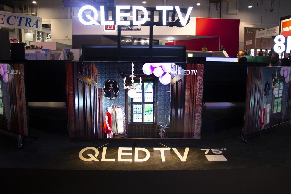 TCL의 QLED는 삼성전자의 브랜드와 흡사하다.