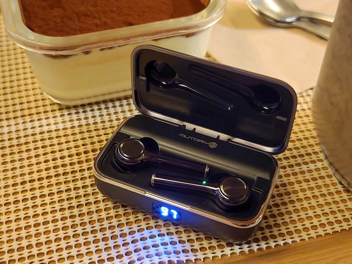 뮤토리 R3 완전 무선 이어폰.