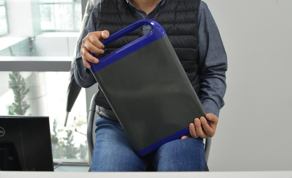 하반기 출시 예정인 마이브 M2의 교체형 배터리팩