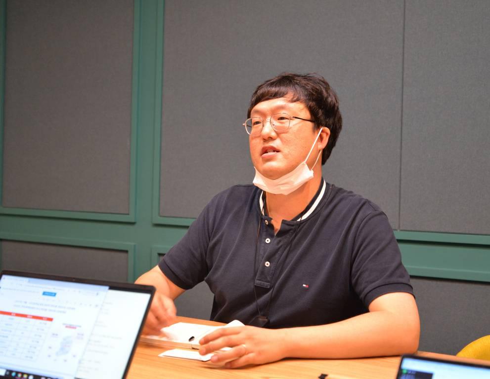 지난 9월 중순, 서울 구로디지털단지에 위치한 공유오피스 넥스트데이 회의실에서 만난 김형욱 스토리박스 대표