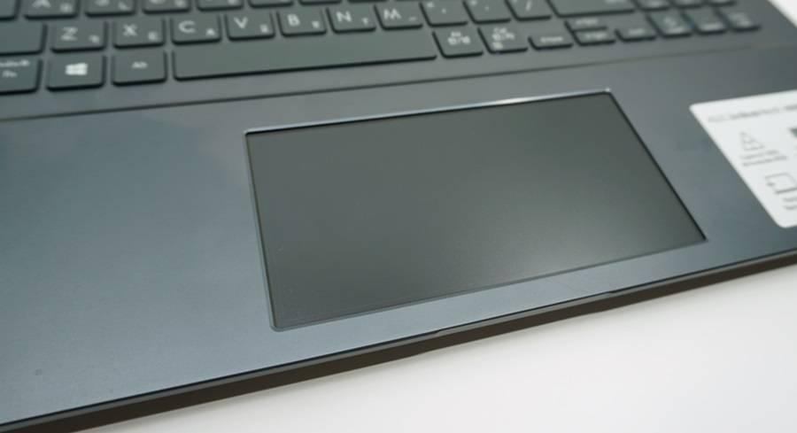스크린패드 기능이 필요없다면 아예 꺼버리고 일반 터치패드처럼 쓰면 된다