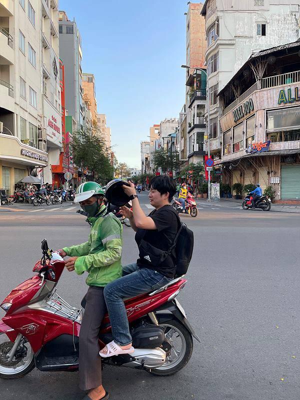 베트남에서 사업을 점검하는 김승용 코코넛사일로 대표. 출처 = 코코넛사일로